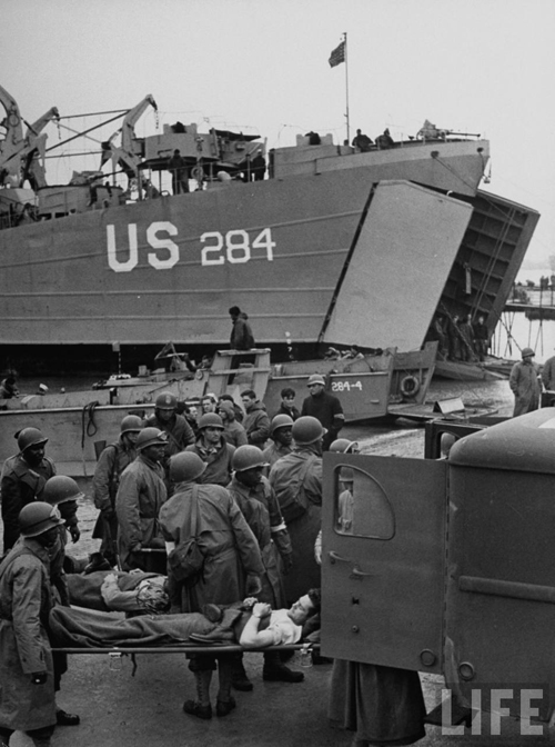 US LST 284 Normandy 1944